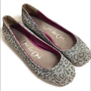 Toms One For One Gray Leopard Print Flats Size 8